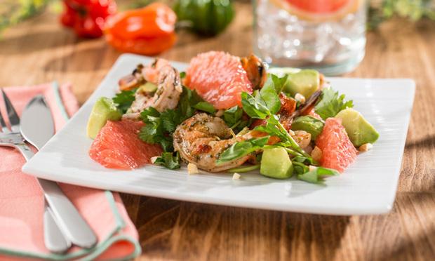 salat-s-krevetkami-avokado-i-grejpfrutom