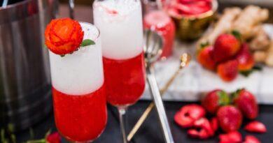 koktejl-shampanskoe-s-klubnikoj