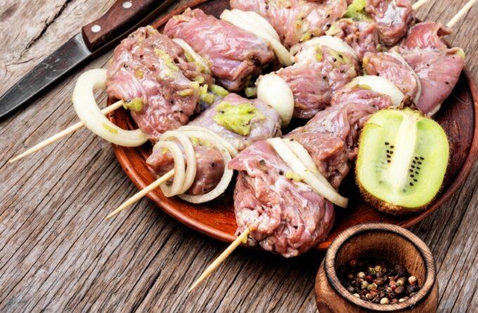 marinad-s-kivi-dlya-shashlyka