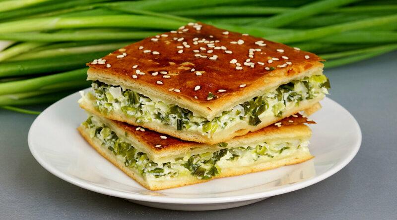 """Папа шутит: """"Зелёный лук может стать дефицитом, когда все узнают рецепт этого пирога!"""" Это действительно вкусно"""