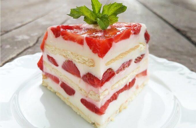 klubnichnyj-tort-bez-vypechki