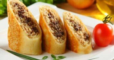 Вкусные хрустящие блинчики с начинкой из мяса с грибами.