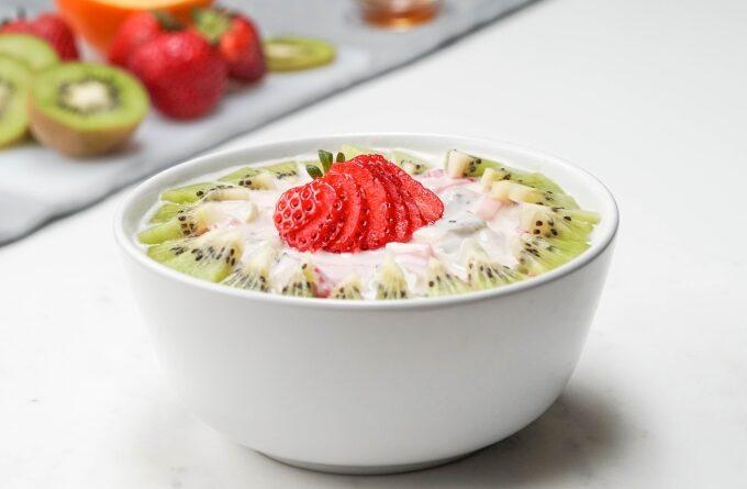 tvorozhnik-s-yogurtom-i-yagodami