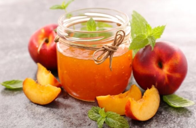 varenye-iz-persikov-i-abrikosov
