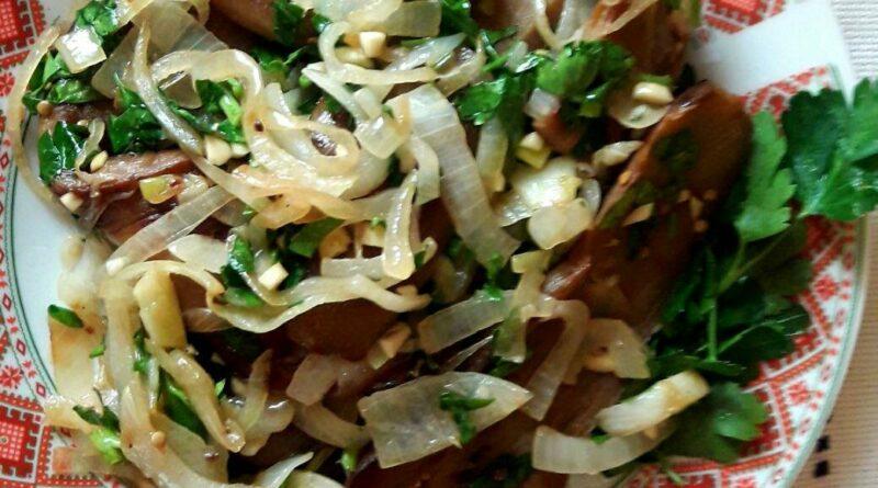Теплый салат из баклажанов - супербыстрый рецепт грузинского блюда