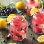 limonad-iz-chernoj-smorodiny