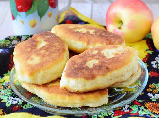 pirozhki-s-yablokami