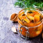 salat-iz-kabachkov-i-pomidorov-na-zimu