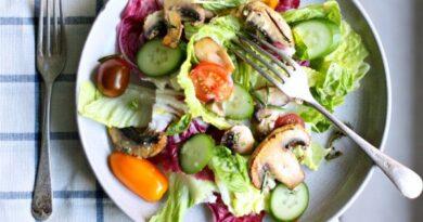salat-s-gribami-i-pomidorami-cherri
