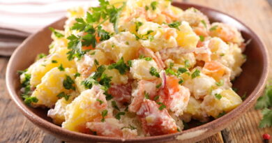 kartofelnyj-salat-s-lososem