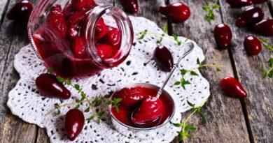 kizilovoe-varenye-v-multivarke