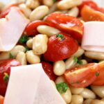 salat-s-beloj-fasolyu-i-vetchinoj