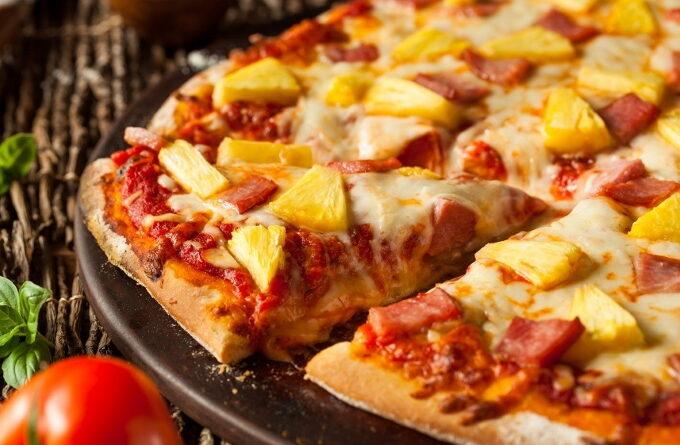 picca-s-ananasami-kolbasoj-i-sosiskami