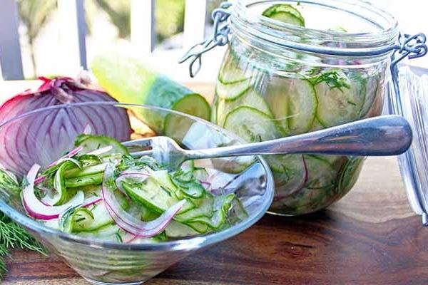 salat-iz-ogurcov-i-luka