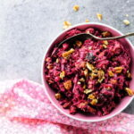salat-iz-svekly-s-chernoslivom-i-orexami