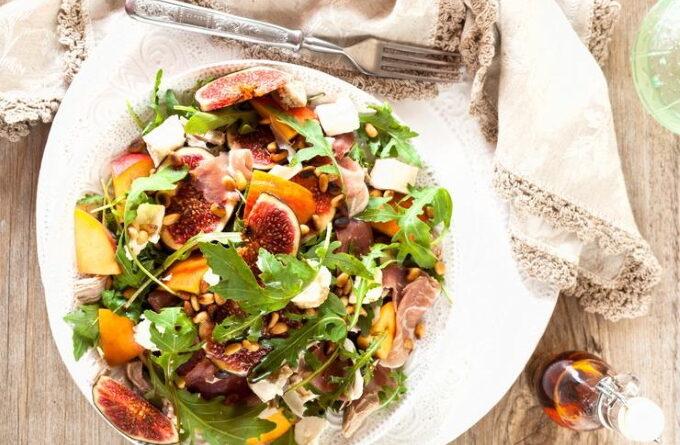 salat-s-inzhirom-i-persikom