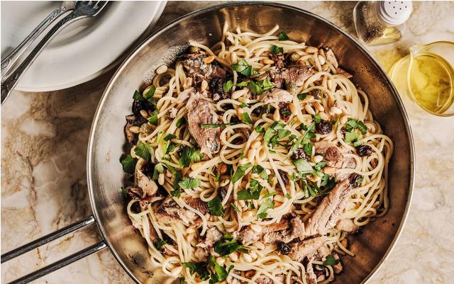 spagetti-s-sardinami-i-izyumom
