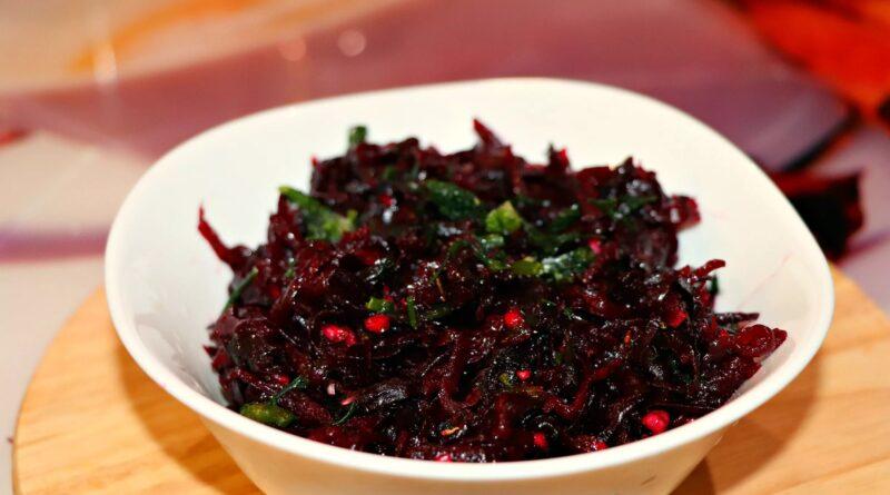 Необычный салат из обычной свёклы: даже на праздничный стол его всегда готовлю