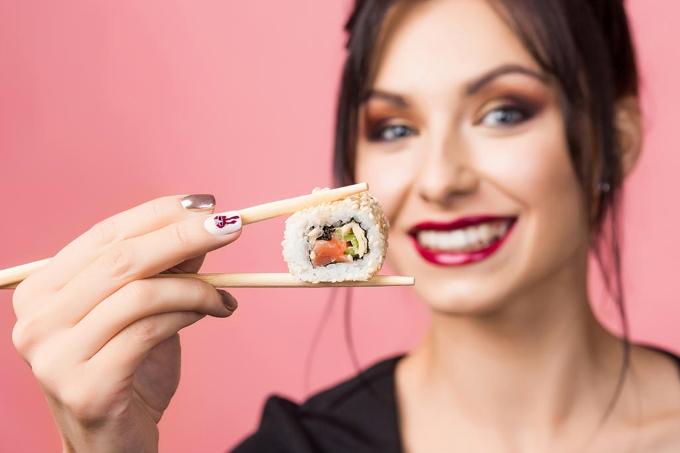 kak-polzovatsa-palochkami-dlya-sushi
