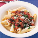 pasta-s-baklazhanami-v-tomatnom-souse