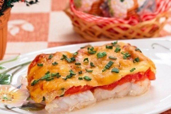 ryba-zapechennaya-s-pomidorami-i-syrom
