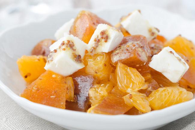 salat-s-xurmoj-mandarinami-i-syrom
