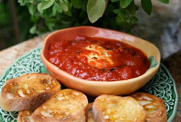 tomatnyj-sous-s-syrom