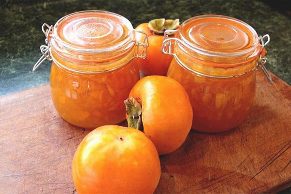 varenye-iz-hurmy-s-mandarinami