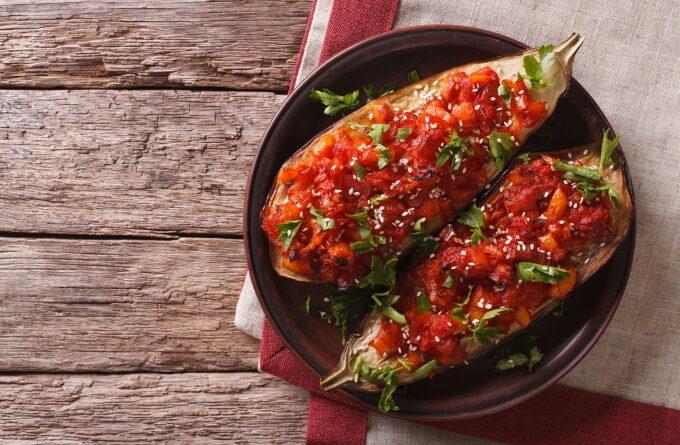 baklazhany-farshirovannye-pomidorami-i-syrom