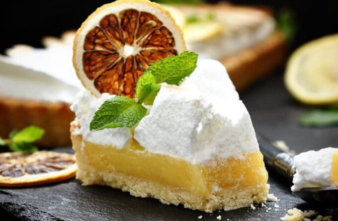 limonnyj-tort-s-merengoj