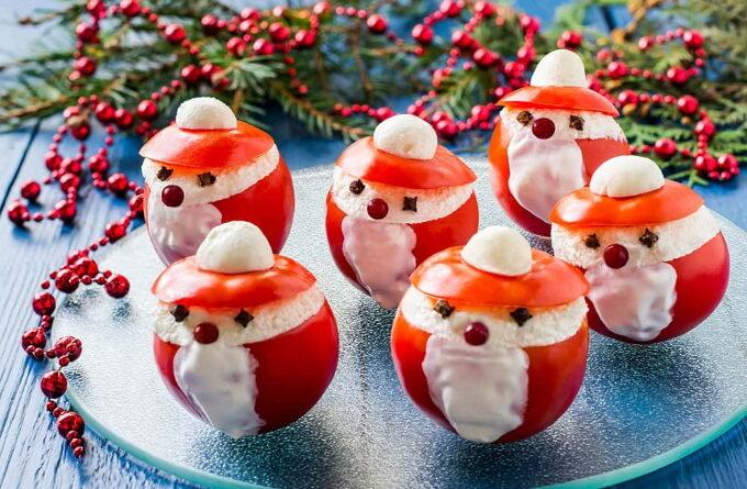 pomidory-s-syrom-i-chesnokom-ded-moroz