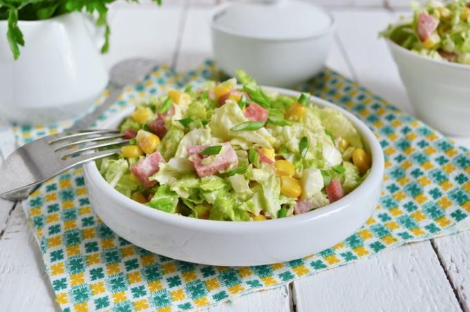 salat-s-pekinskoj-kapustoj-vetchinoj-i-kukuruzoj