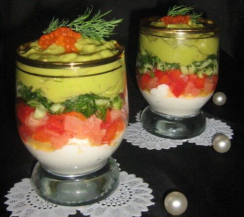 Веррин с семгой и кремами из сыра и авокадо