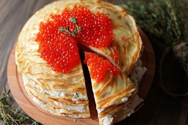 blinnyj-tort-s-lososem-i-syrom