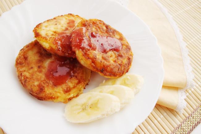 syrniki-iz-tofu-s-bananom