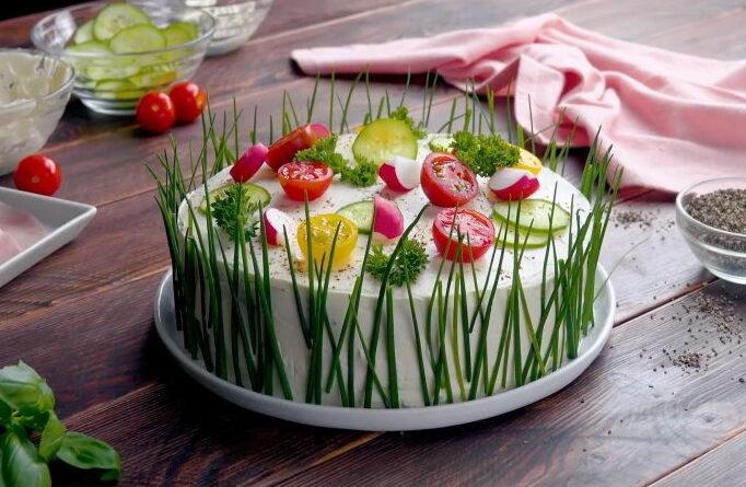 zakusochnyj-buterbrodnyj-tort