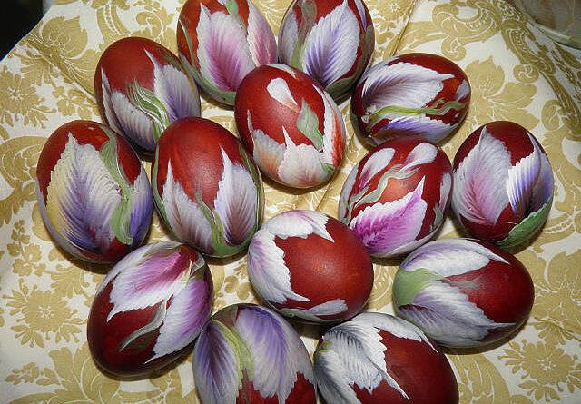 Как необычно покрасить яйца к Пасхе. Несколько оригинальных идей