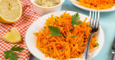 salat-s-morkovyu-limonom-i-gorchicej