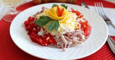 salat_s_kalmarami_pomidorami_i_percem