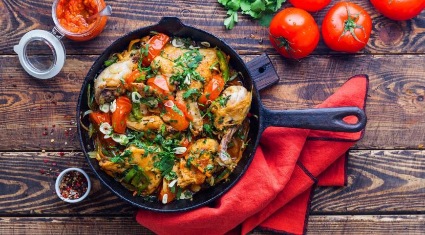 Курица на сковороде по-абхазски
