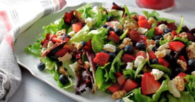 klubnichnyj-salat