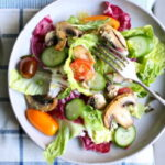 salat-s-pomidorami-i-gribami