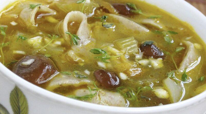 Грибной суп с лапшой