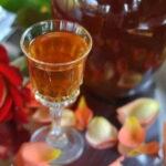 liker-iz-lepestkov-rozy