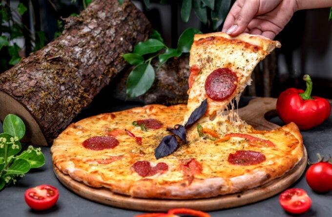 picca-pepperoni-s-kolbasoj-i-syrom