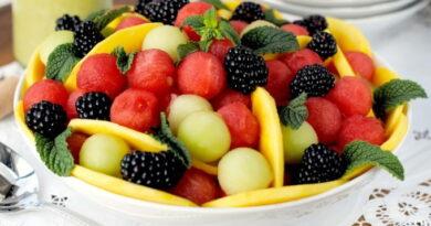 salat-iz-arbuza-dyni-i-ezheviki
