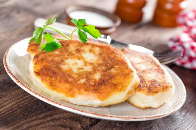 kartofelnye-zrazy-s-kapustoj-i-yajcami