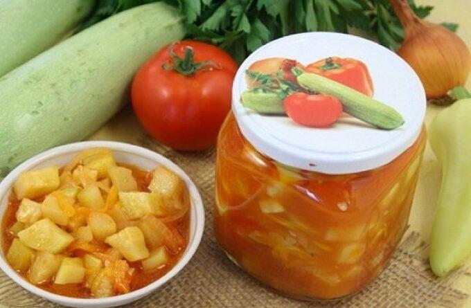 sous-iz-kabachkov-s-pomidorami