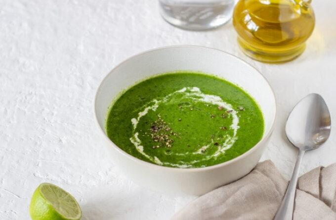 gaspacho-iz-zelenyx-pomidorov
