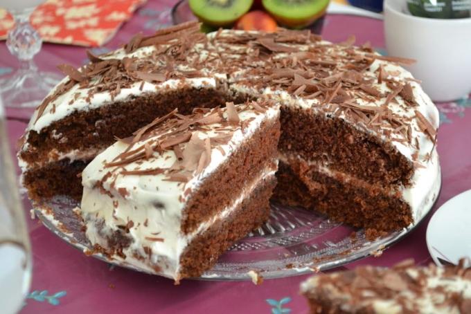 kofejnyj-tort-so-smetannym-kremom